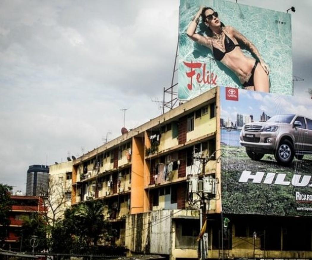 Ventajas de los carteles publicitarios en fachadas de edificios