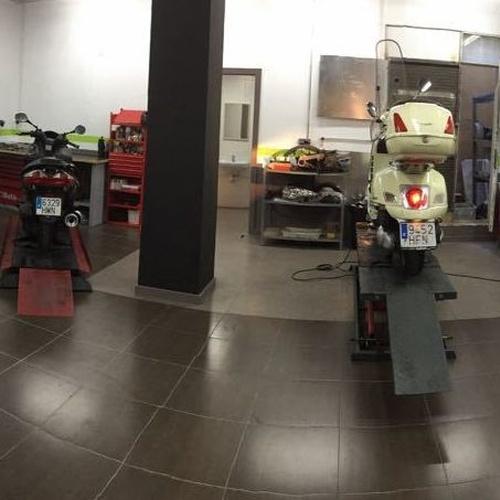 Taller de motos en Barcelona | Motoinsitu