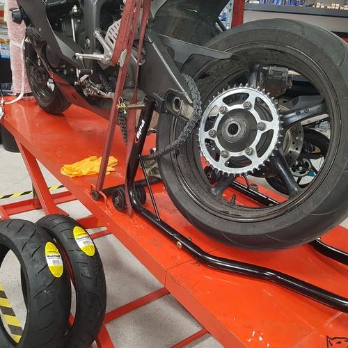 Taller mecánico motos en Mataró | Motos Iluro