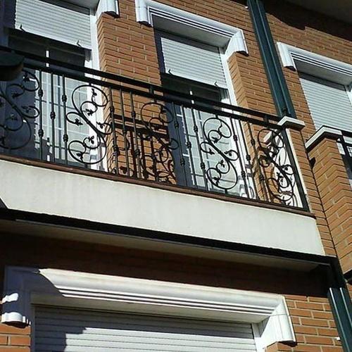B3 - Barandilla de balcón