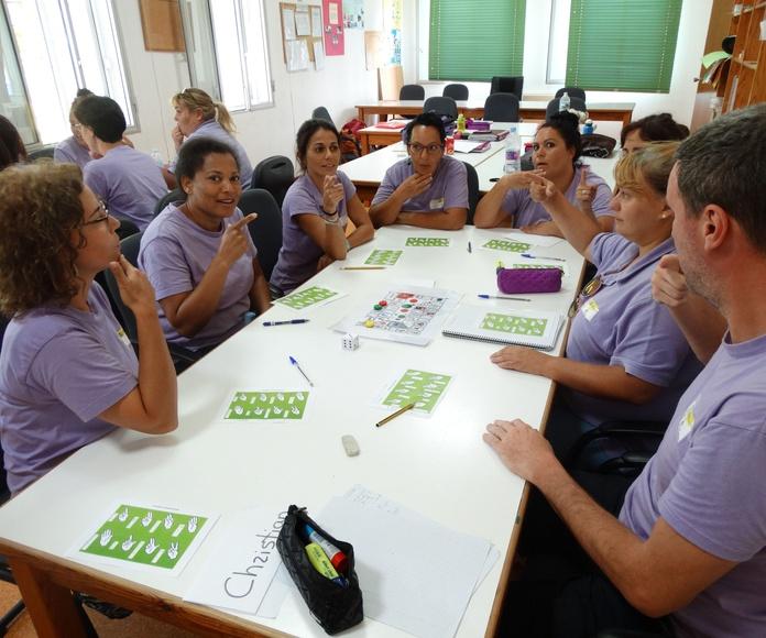 Signo gestual: Proyectos y Servicios de Asociación Domitila
