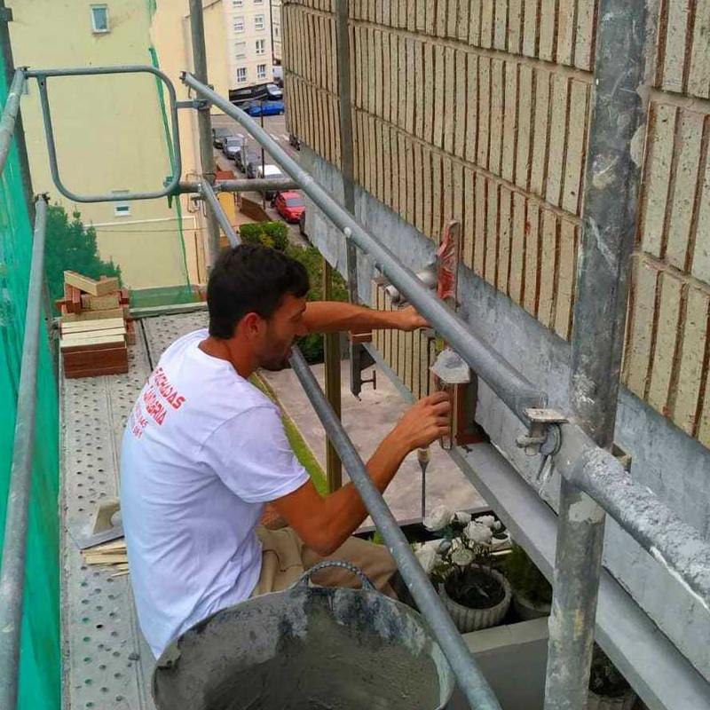 Rehabilitación de fachada de ladrillo visto en santander