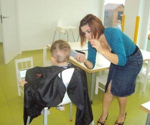 Servicio de peluquería en el cole