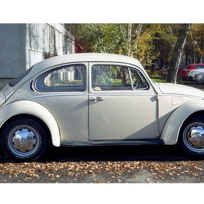 Trabajos de restauración de coches antiguos