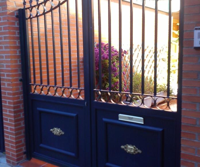 Puerta de entrada de vehículos.: Trabajos de Cerrajería Alberto Bautista.