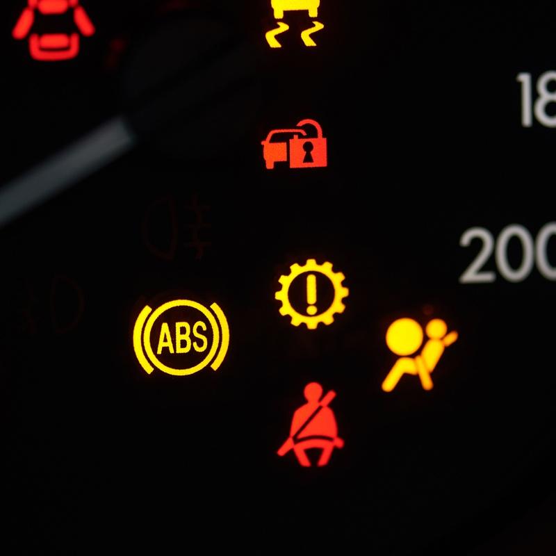 Electricidad: Servicios de Tonicar Motor