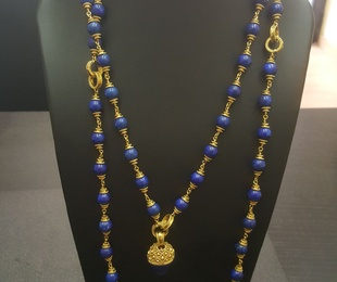 Collar oro y lapislazuli