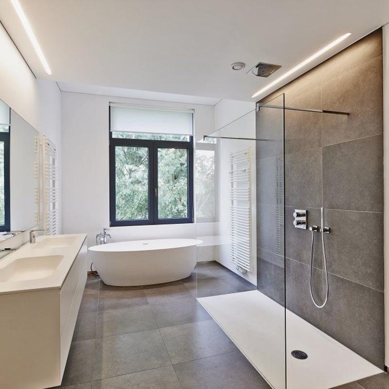 Venta de mamparas de baño y ventanas: Servicios de Decopersiana
