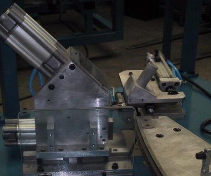 Útiles y utillajes: Productos de Maquinaria Industrial Rou S.L.