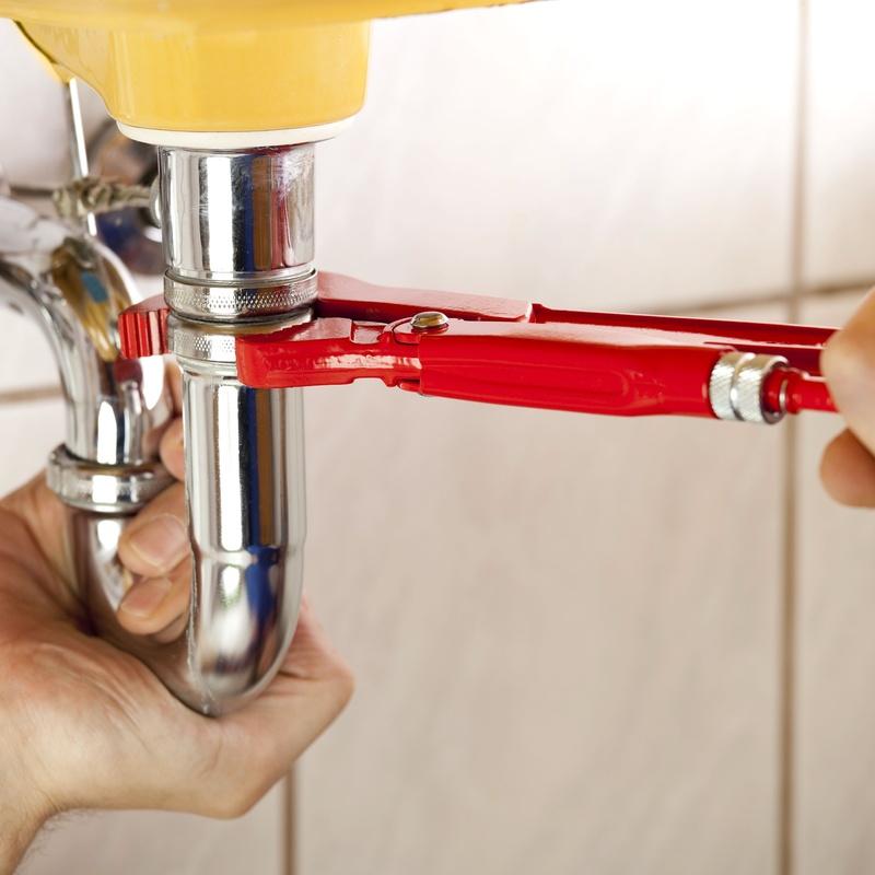 Urgencias 24 h en fontanería y electricidad: Servicios de Construcciones y Reformas Luis
