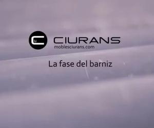 El proceso de producción, 3ra fase El barniz - Mobles Ciurans-Mobles La Gavarra La Garriga