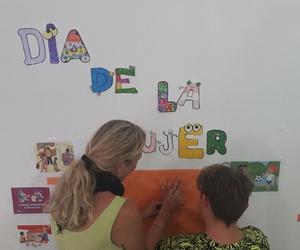 """Día de la Mujer en el Punto de Encuentro Familiar """"+Familia"""""""