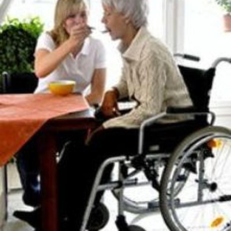 Atención especializada: Servicios  de Residencia Mayores Santa Helena