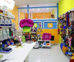 Peluquería y tienda de accesorios y alimentación para mascotas