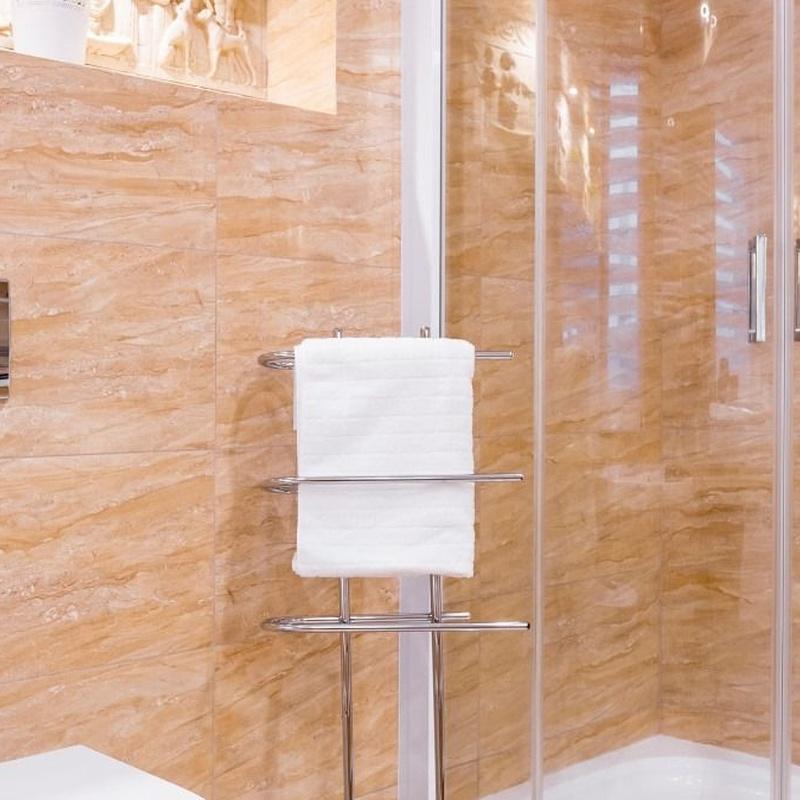 Mamparas de baño: Servicios de Vitreus - Vidres i Miralls