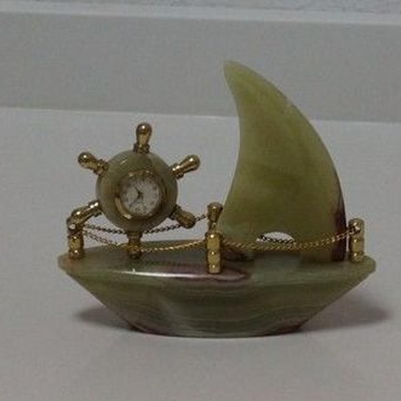 Barco con reloj