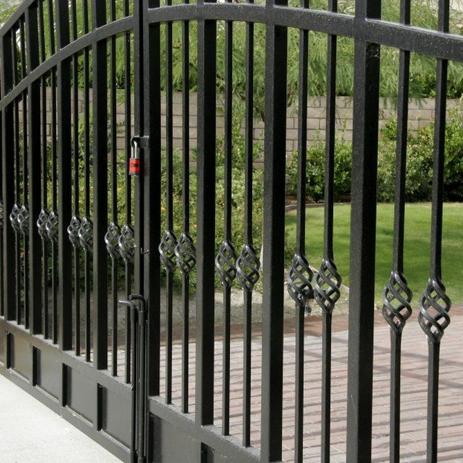 Puertas de metal vs. Puertas de madera