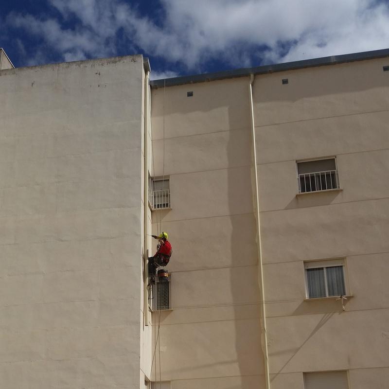 Trabajos verticales  : Servicios de Canaltom