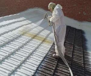 Empresa dedicada a la proyección de espuma de poliuretano de alta densidad sobre tejados
