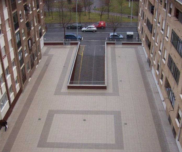 Plazas, terrazas y patios: Servicios de Isfatec
