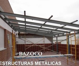 Especialista en puertas correderas imitación madera en Granada: Productos y Servicios de Puertas Metálicas Bazoco