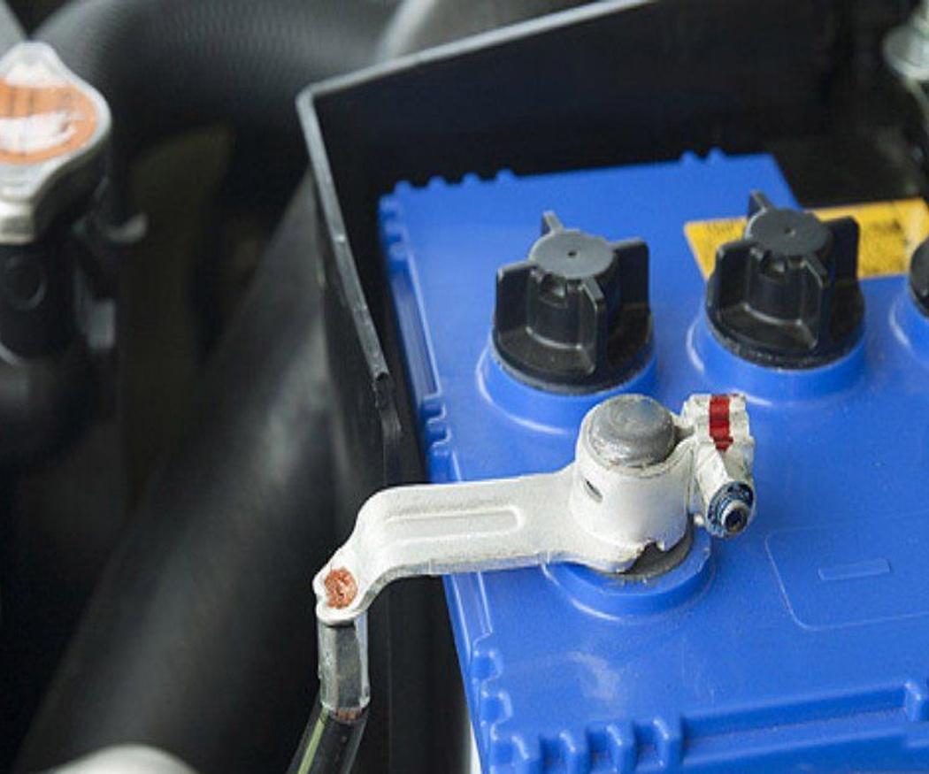 ¿Cuándo tengo que cambiar la batería del coche?