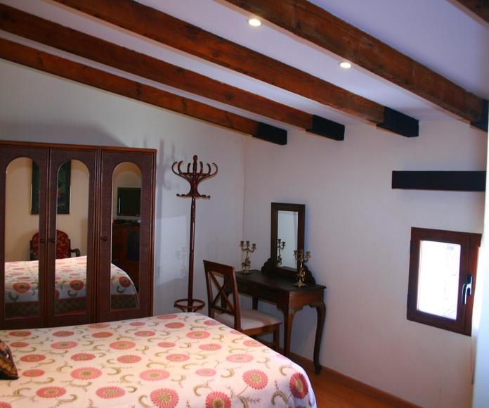 Habitación doble con baño compartido: Instalaciones de PURIFICACIÓN DUQUE DUQUE