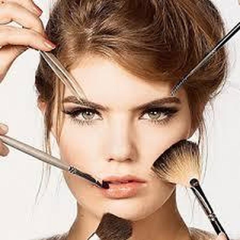 Maquillaje: Servicios de Cuatro Pelos Peluquería y Estética