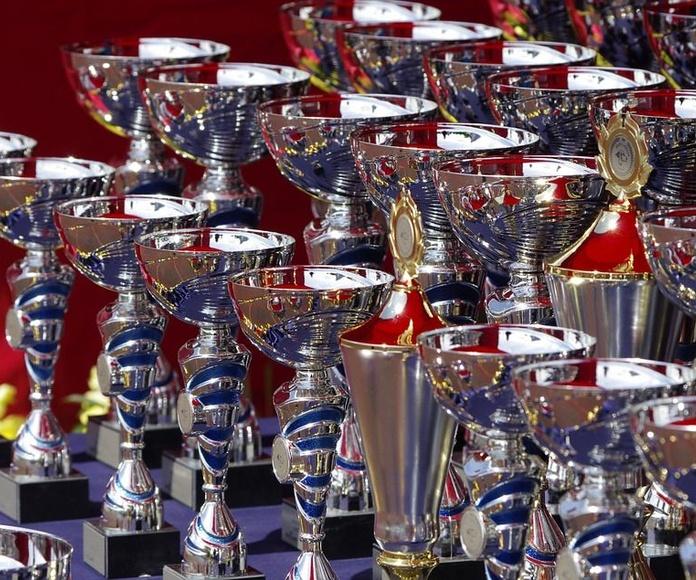 Trofeos: Productos de Aventura Deportes