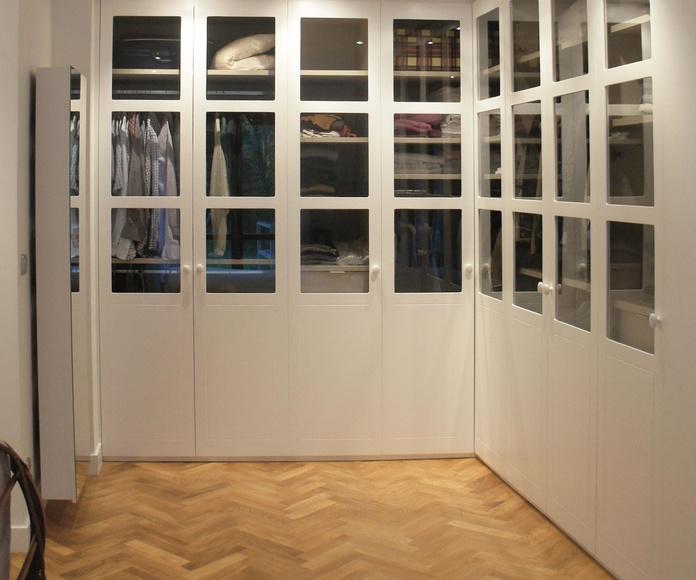 Primera planta. Vestidor de habitación principal