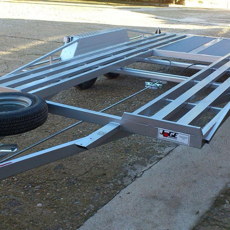 PCarriles con perfiles de tubo cuadrado -  4 - 4,5 x 1,90 - 2 m. – MMA 1.60