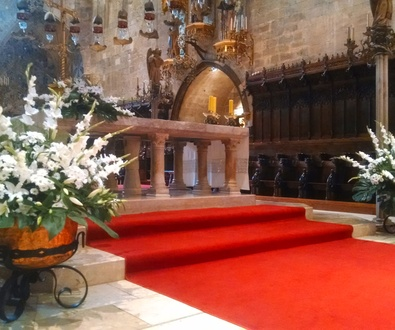 Flores en la Catedral de Mallorca