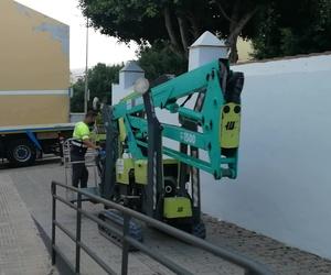 Zona de difícil acceso: nuestro personal ideó instalar esta rampa de acceso para trasladar la maquinaria y cumplir el deseo del cliente.