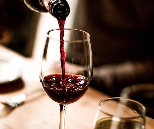 Empresa de distribución de vinos en Cantabria