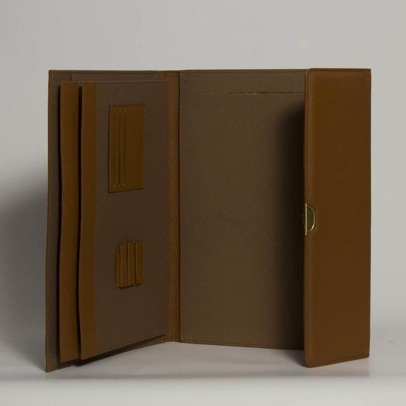 PortaDocumentos P-01420: Catálogo de M.G. Piel
