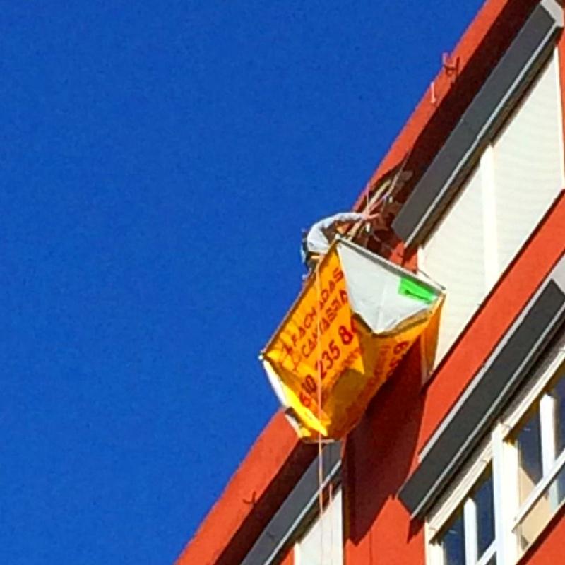 Realizamos derribos controlados en altura con urgencia en Santander.