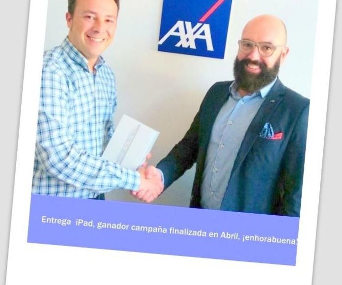 Entrega regalo iPad Mini a nuestro cliente. ¡Enhorabuena!