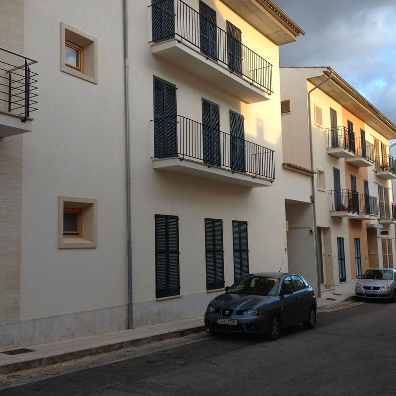 Pisos en Plaza Gaspar Perelló: Obras realizadas de Construcciones Ses Planes  d'Alaró