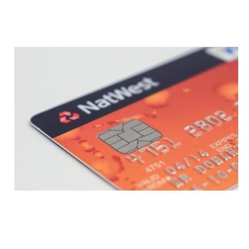 Credenciales con datos en relieve: Productos de Solutar - Soluciones de tarjetas