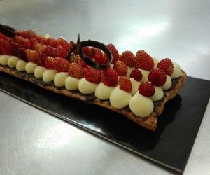 Banda de full crema con fresas