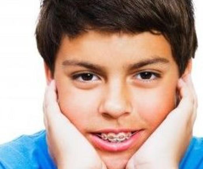 Odontología infantil y ortodoncia : Servicios de Clínica Dental Reina Victoria 23