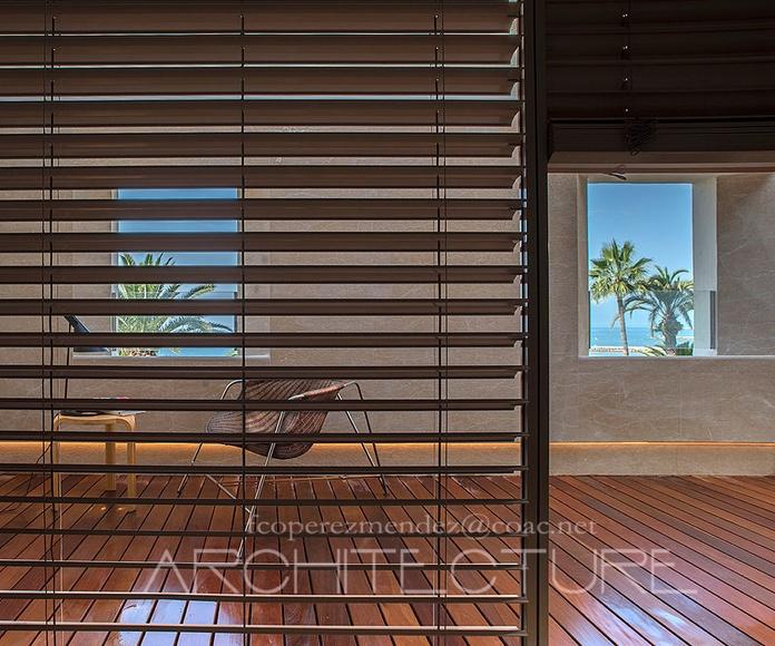 Control Solar con Persianas Móviles.  Casa Serra . Modernismo. Sitges