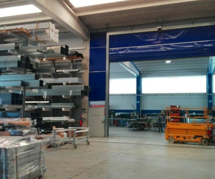 Giesse Italia fabrica puertas rápidas de lona