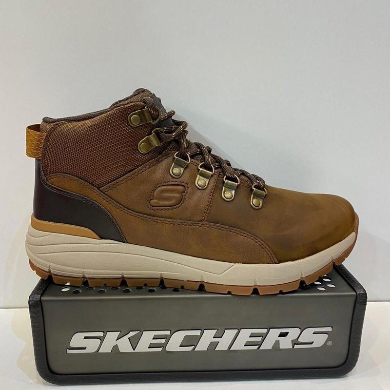 Botí d'home, de la marca Skechers: Catálogo de Calçats Llinàs