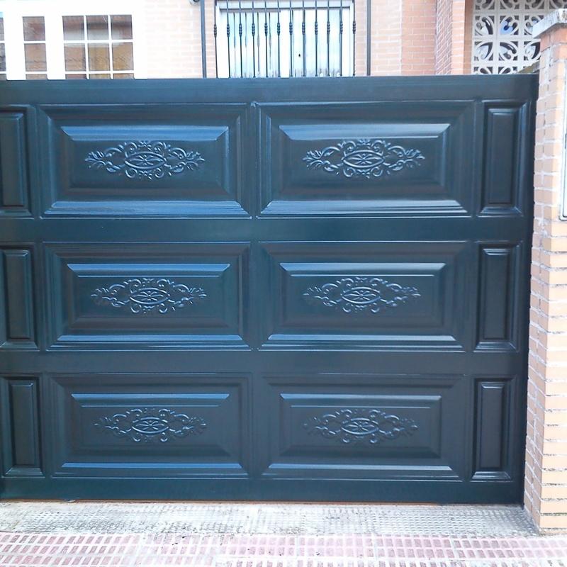 Puerta corredera: Trabajos de Cerrajería Alberto Bautista.