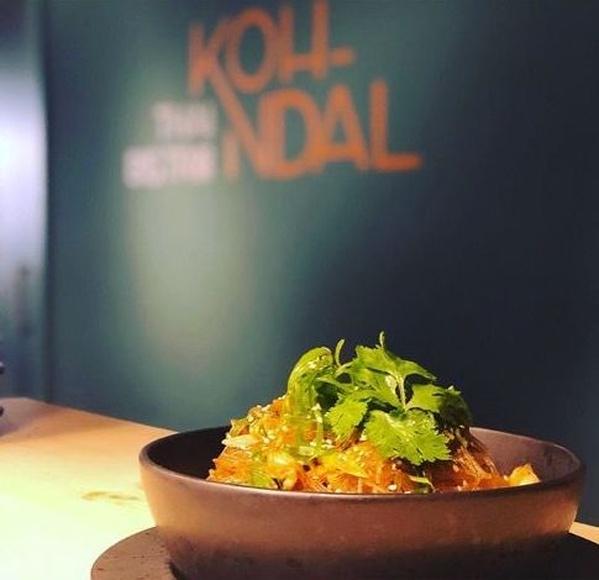 Noodles: Reservas y Carta de .