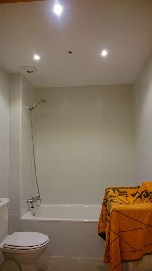 Focos led 7w en baño (color blanco)