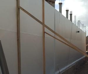 Impermeabilización con PVC, de muros de contención.