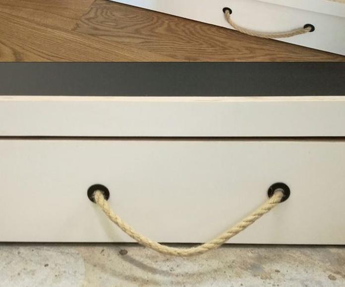 Mobiliario doméstico: Servicios de Pak Of Shume, Muebles de madera