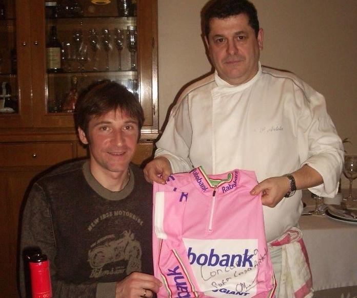 Denis Menchov con la maglia rosa del Giro de Italia